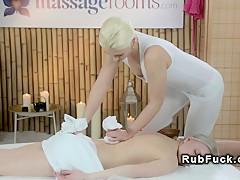 Клиенты массаж