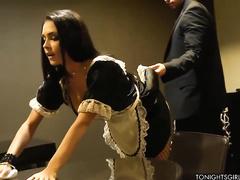 Порно служанка вк