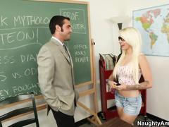 Жесткое порно с худыми студентками