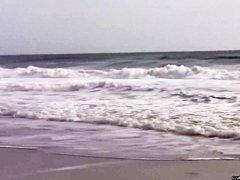 Нудисты на пляже видео онлайн