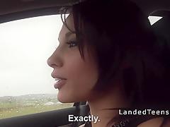 Снял жену в машине