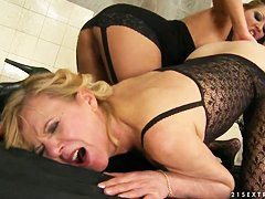 Порно онлайн старушки анал