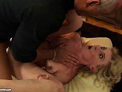 Порно стройные зрелые дамы
