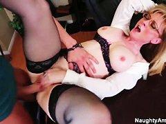 Порно нейлон зрелые дамы
