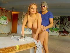 Порно дальнобойщик снял проститутку на трассе