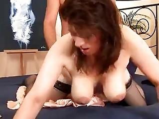 Зрелые женщины в колготках видео