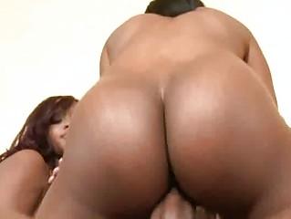 Большие попки мамочек