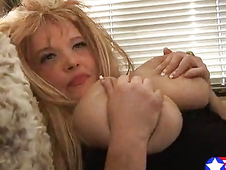 Мама блондинка