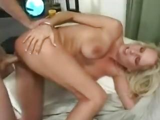 Блондинка на члене