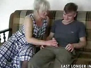 Зрелые лесбиянки в чулках