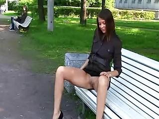Порно ролики снял на улице